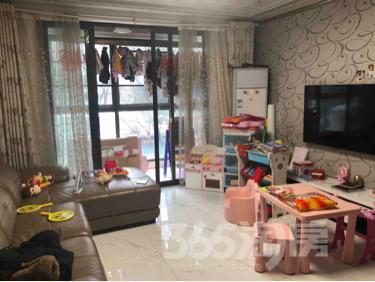 润龙锦园3室2厅1卫109.14平米精装产权房2014年建