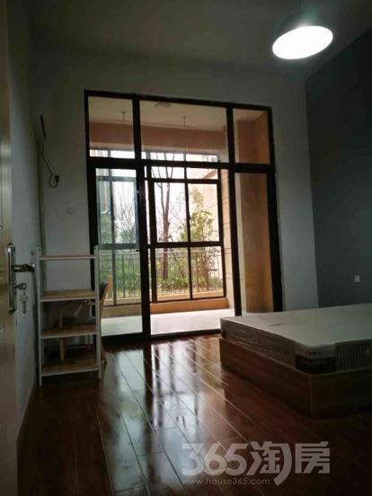 雅居乐滨江国际5室0厅0卫200平米合租精装
