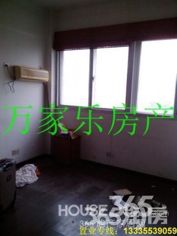 吉和街半亩园1楼,3室1厅,90平,精装全设3台空调,租1500元月