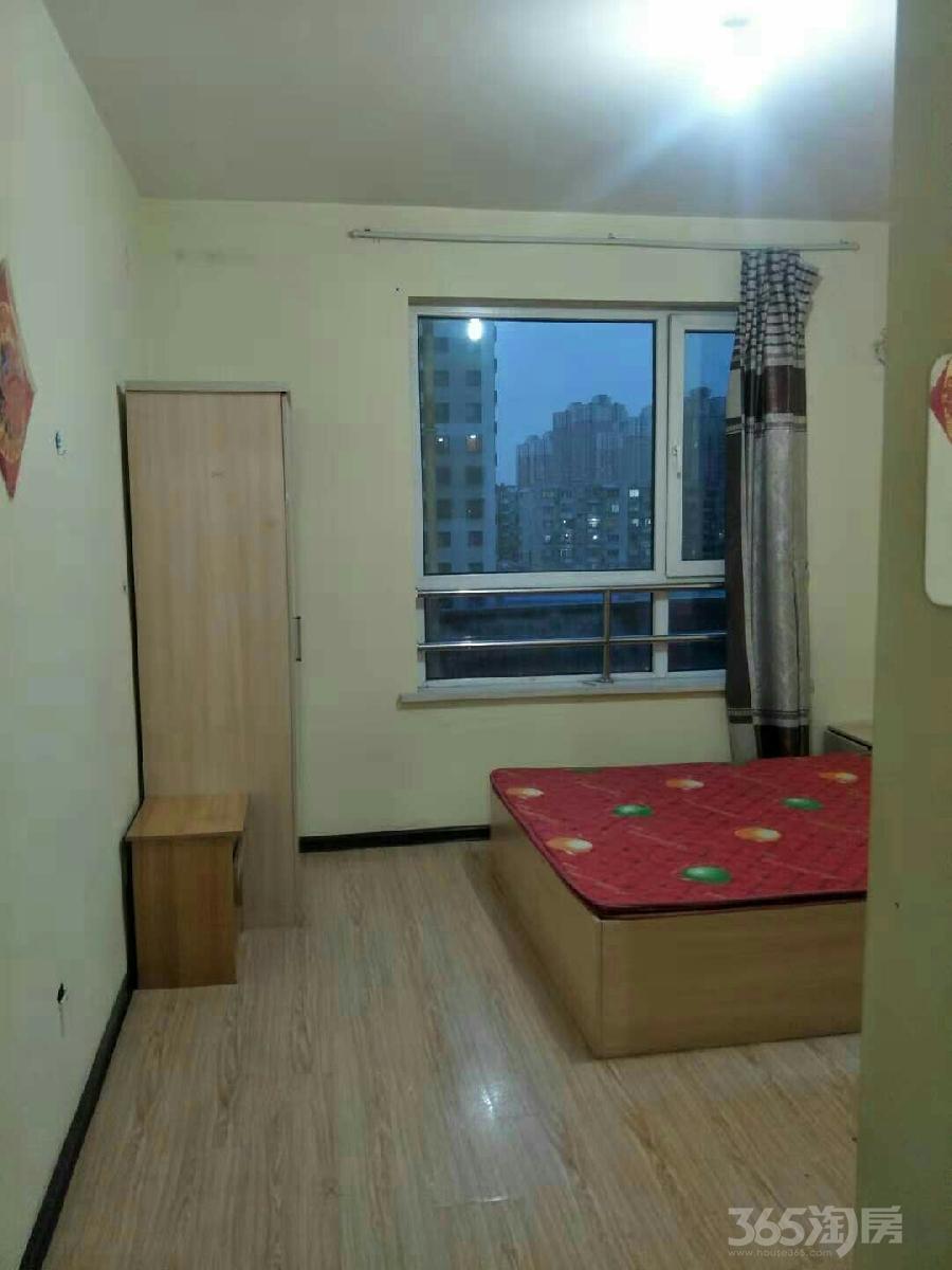 新华东里3室1厅1卫24平米合租精装