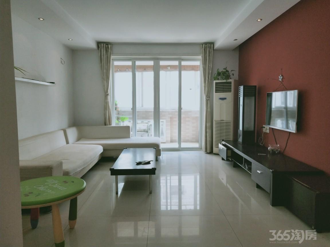 湖畔花园3室2厅2卫135平米整租精装