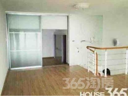 玉桥国际公寓挑高户型100平米整租精装可注册公司