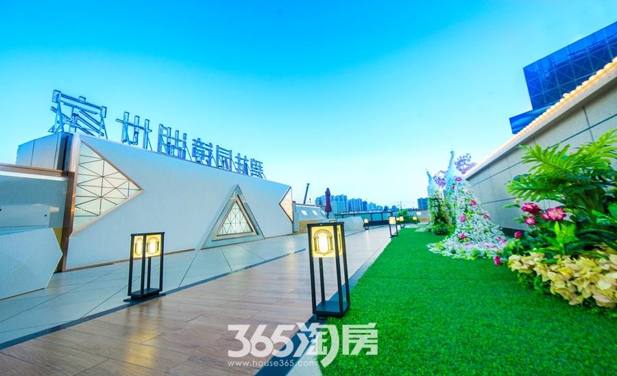 碧桂园镜湖世家营销中心实景图(2018.8摄)