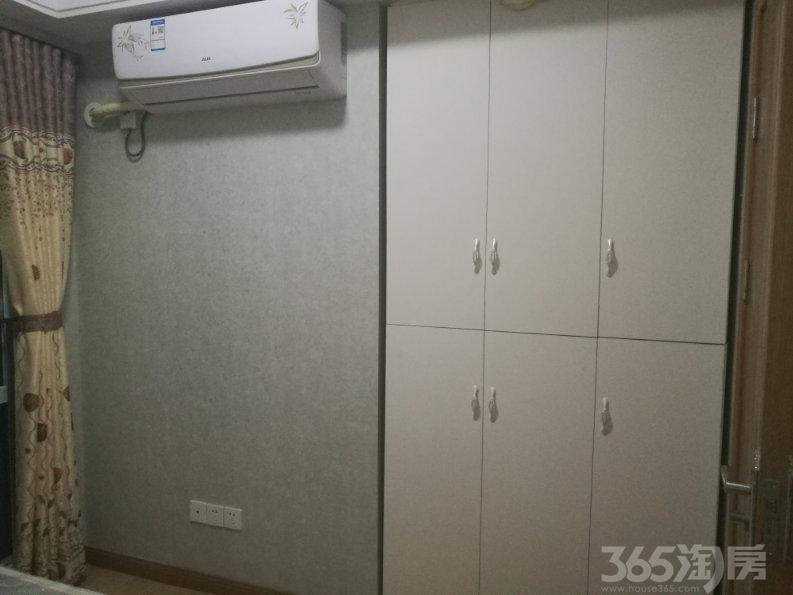 银泰公寓1室1厅1卫55�O整租精装