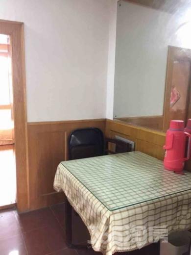 姜圩路小区2室1厅1卫55平米整租简装