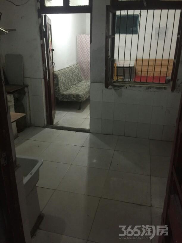段南新村1室1厅0卫20平米整租简装