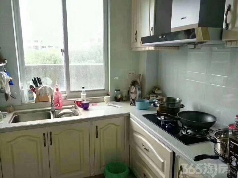海城名家3室2厅2卫120�O2011年产权房精装