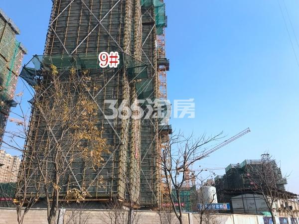 蓝光雍锦里高层9#楼实景图(2017.12 摄)