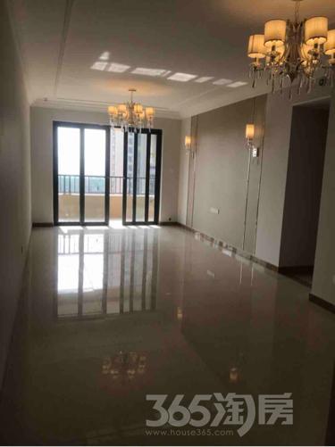 恒大御景湾3室2厅2卫119平米整租精装