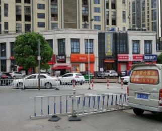 地铁口商铺中邦秀食街招品牌小吃,奶茶餐饮