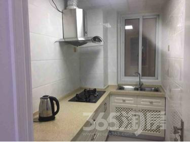 绿地商务城3室2厅1卫105平米整租中装