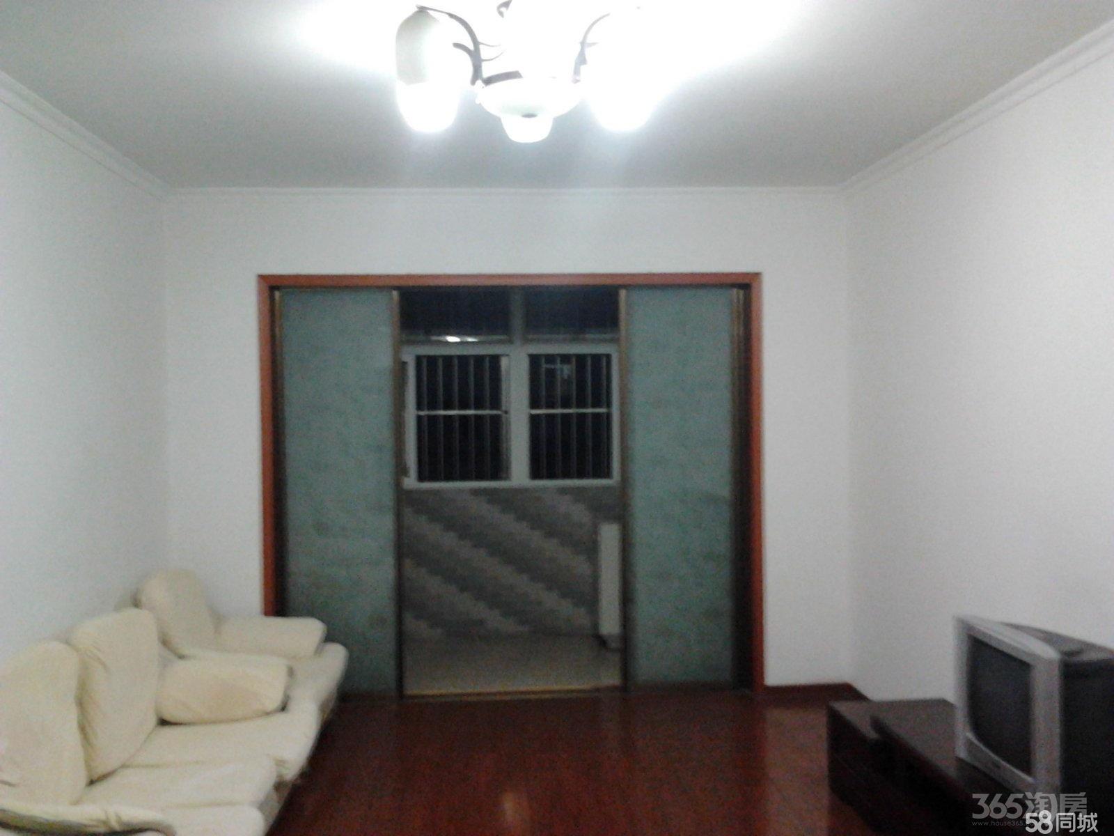 金山花苑2室2厅1卫95平米精装整租