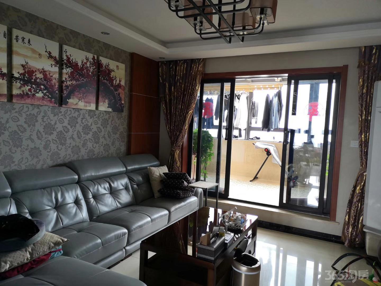 观山名筑3室2厅1卫105平米整租精装