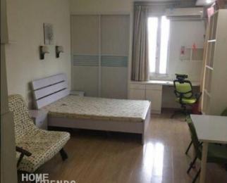 左岸精装单身公寓,一年起租,拎包即住
