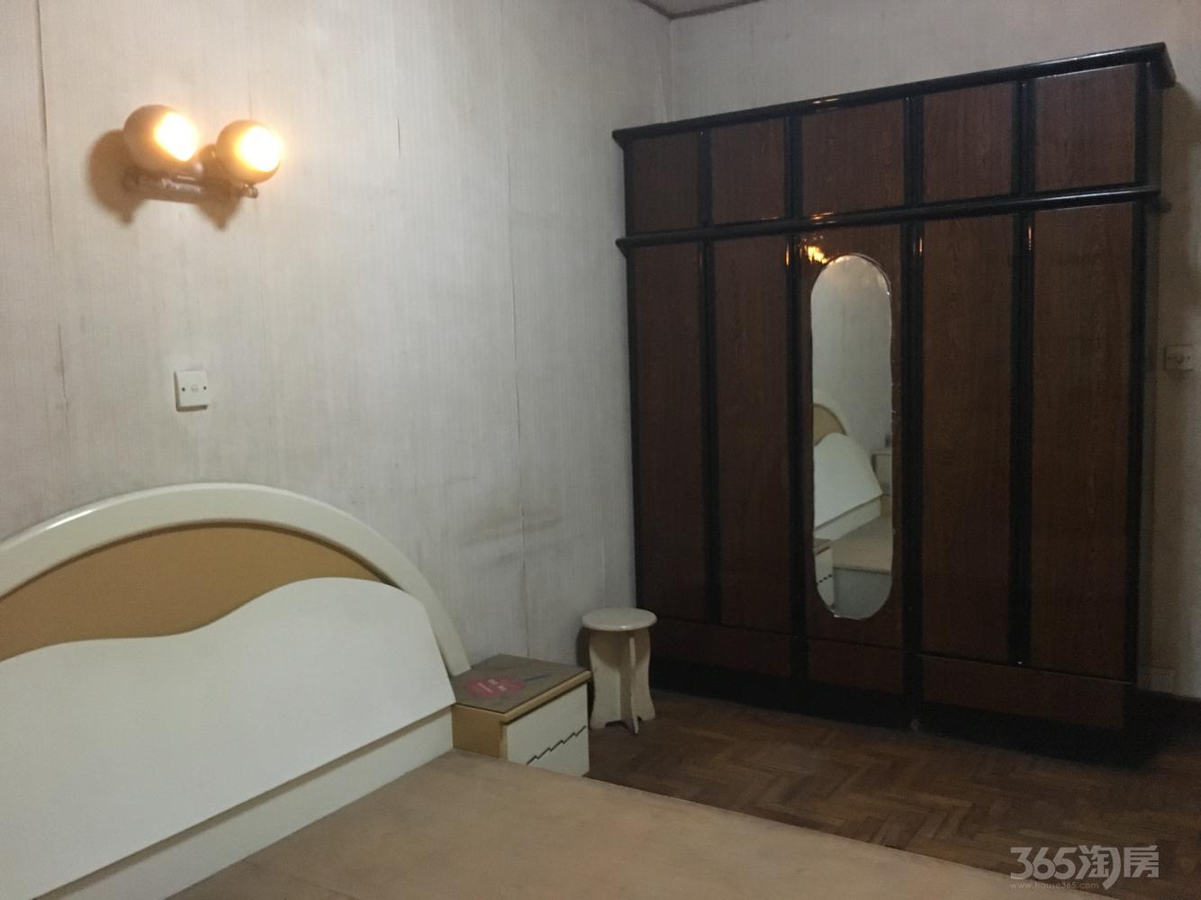 平塘新村3室1厅1卫83平米简装产权房1997年建满五年