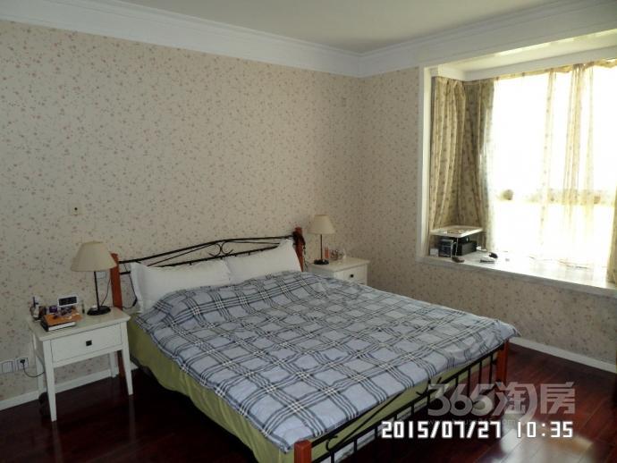 瑞鑫兰庭3室2厅2卫126.00平方2007年产权房精装