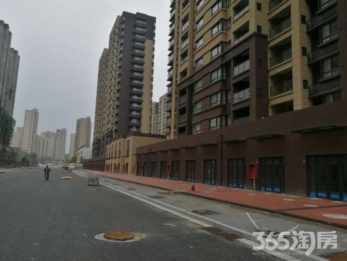 朗诗未来街区沿街朝南可双层旺铺招租!