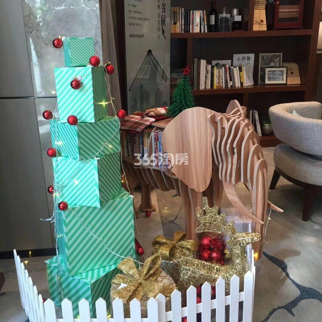 融创玖樟台售楼部内部圣诞节装饰实景图(2017.12.25)