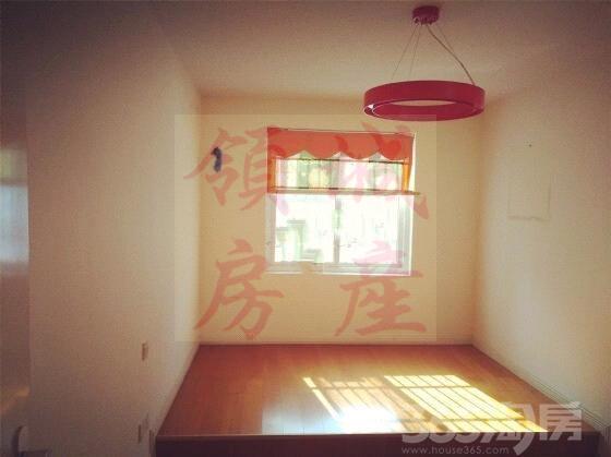 出售瑞泰城市花园3室2厅2卫147�O精装
