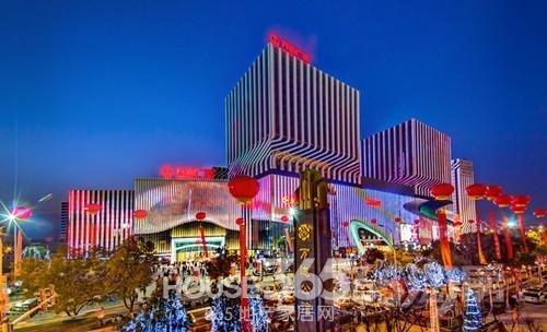 江宁万达广场旁  成熟商铺招合租 总面积140平米
