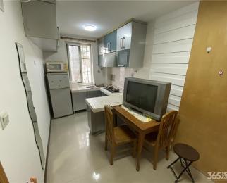 整租·新街口 地铁口 石鼓路 1室1厅 南 随时看房拎包入住
