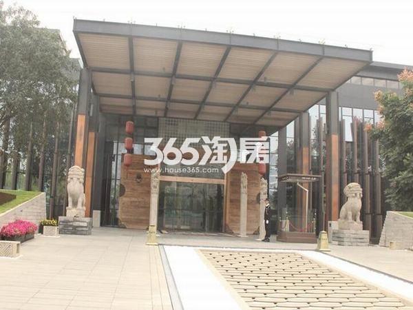 万科大明宫项目售楼中心门厅实景图(2018.8.29)