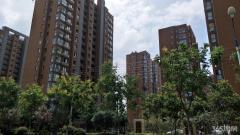 东城世家 地铁口 97平米 毛坯 小三房 南北通透 满2年105万