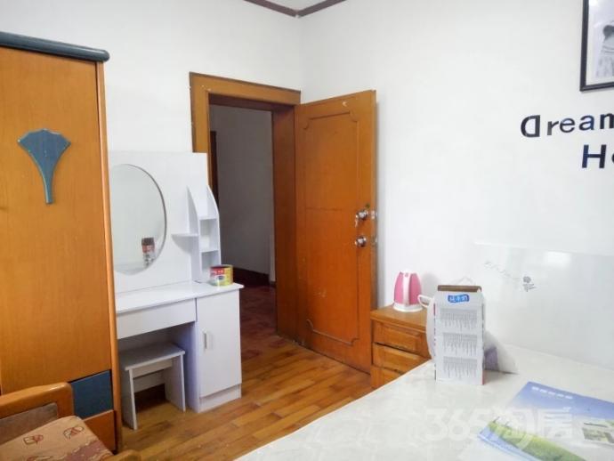 马鞍东路社区4室2厅2卫40平米合租简装