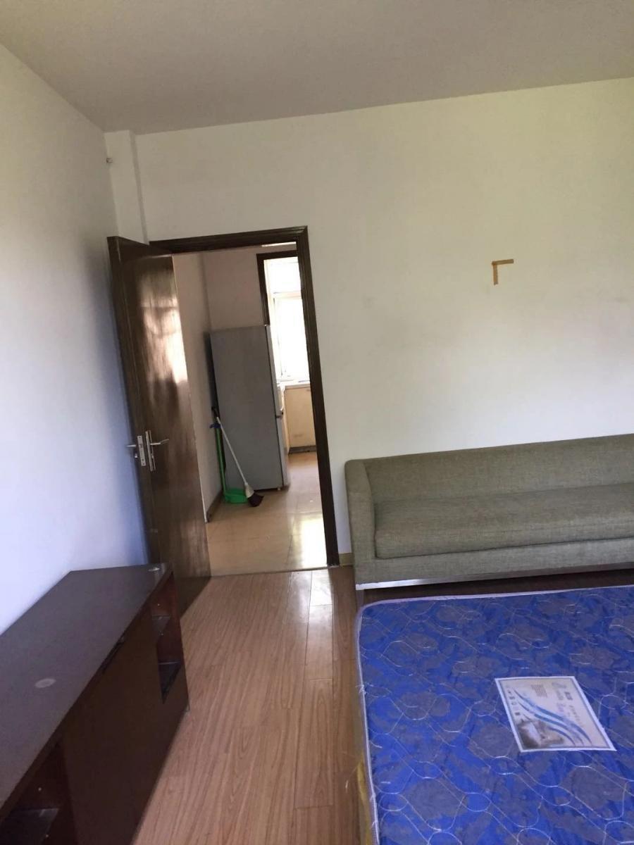 两房朝南空调两个家具家电齐全