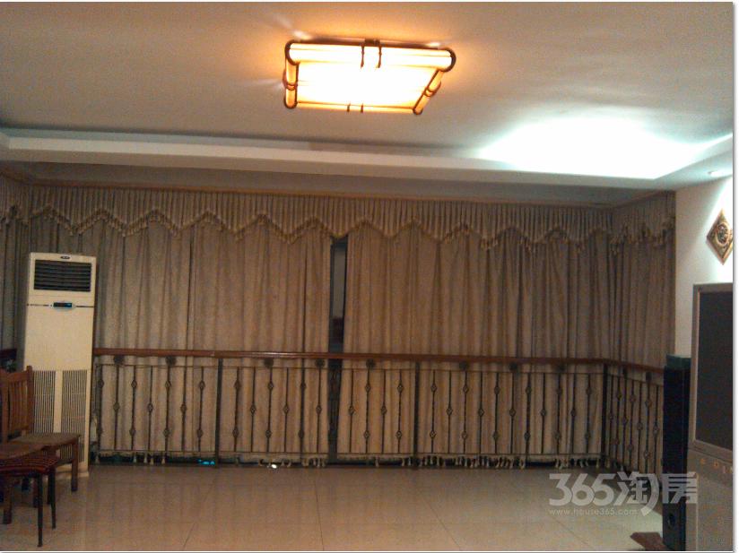 翠屏国际城4室2厅2卫160平米合租精装