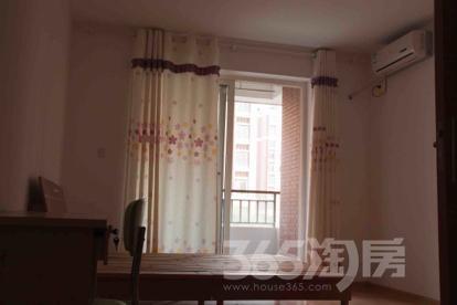东方龙湖湾3室2厅1卫114平米简装产权房2012年建