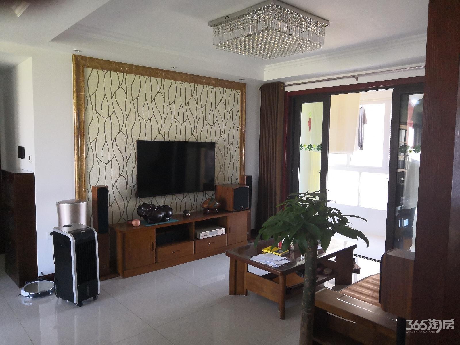 琥珀澜湾3室2厅2卫98.38平方产权房精装