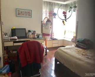 万豪花园4室2厅2卫精装房