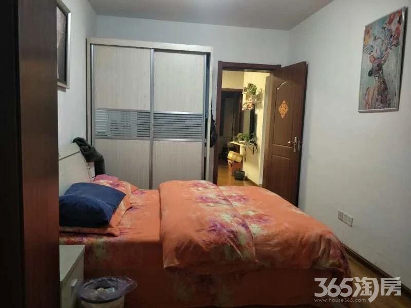 康美里小区2室1厅1卫53平方产权房精装