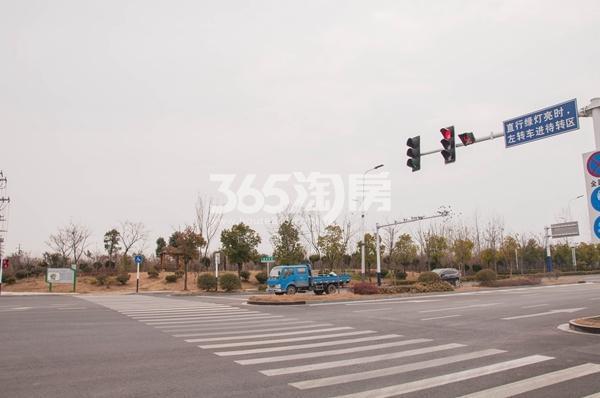 绿地迎宾城 景观带 201801