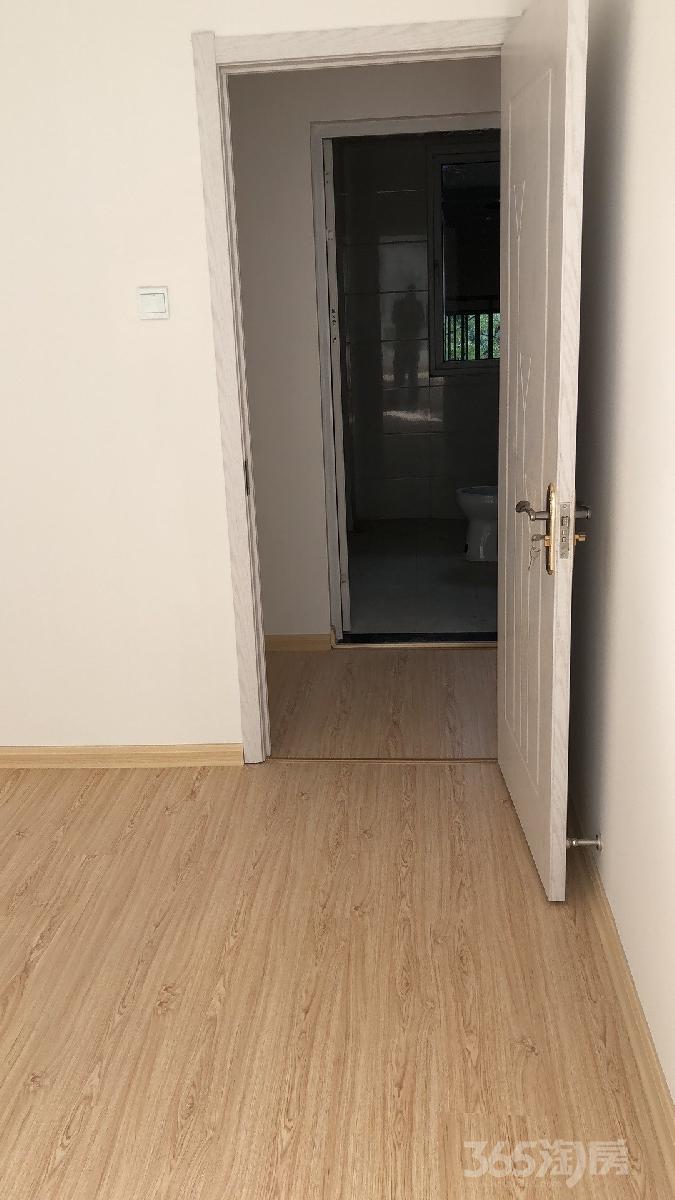 秀山信达城3室2厅1卫92平米整租精装