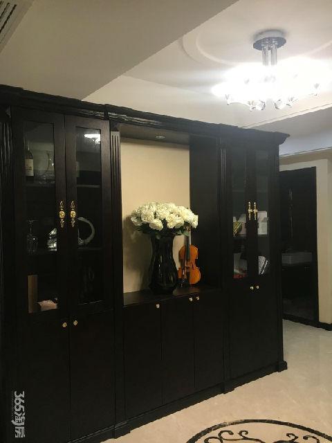 恒信珑湖国际4室2厅2卫196平方产权房豪华装