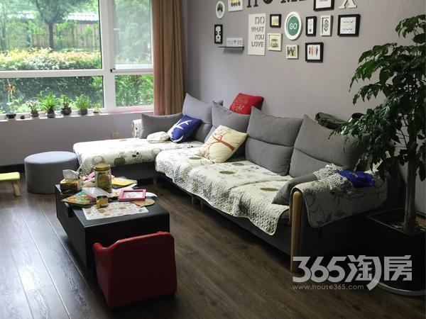 信达翰林兰庭3室2厅2卫92平方产权房精装
