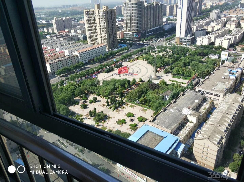 五龙小区2室2厅2卫103平米2015年产权房毛坯