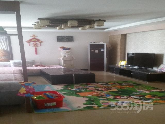 黄金嘉园2室2厅1卫98�O2011年满两年产权房精装