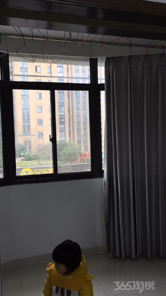 玲珑嘉苑3室2厅2卫147.3平米精装产权房2008年建