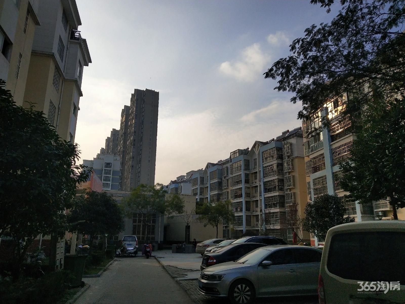 龙腾家园2室2厅1卫78.74平米2012年产权房精装