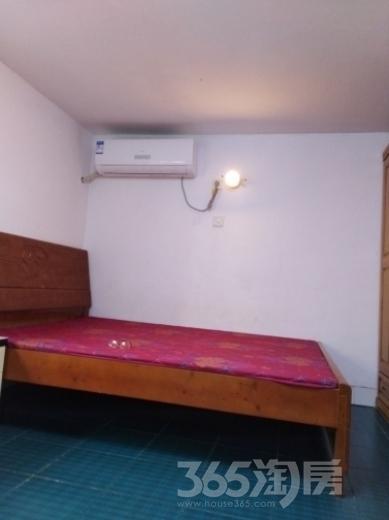 东振小区1室0厅1卫30平米整租精装