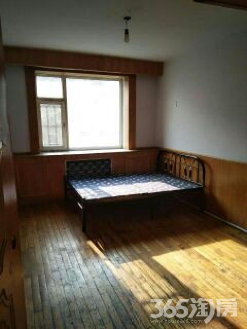 二道柴油机小区3室1厅1卫82平米整租简装