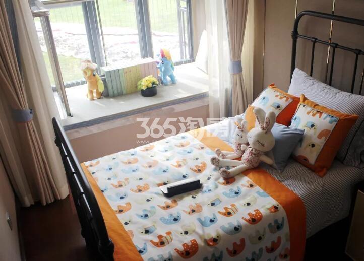 恒大御峰152平洋房样板间儿童房