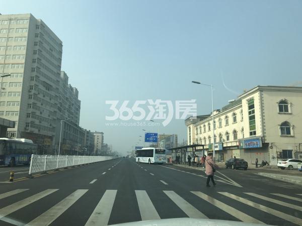 美的乐城南侧下淀路实景图(3.7)