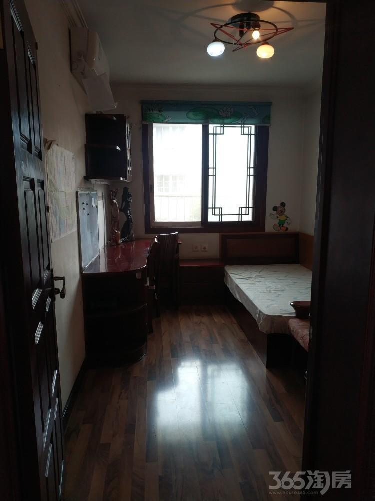金象园小区3室1厅1卫78.00平米整租精装