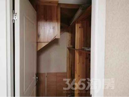 五矿御江金城公寓2室2厅2卫62.00㎡230.00万元