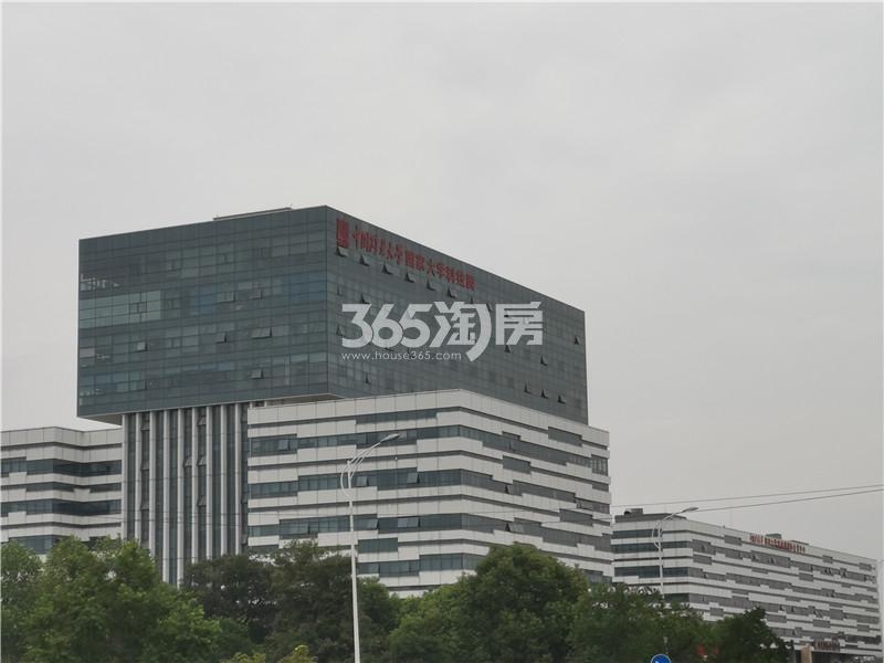 绿地理想城悦湖公馆项目周边矿大科技园实景图(10.16)