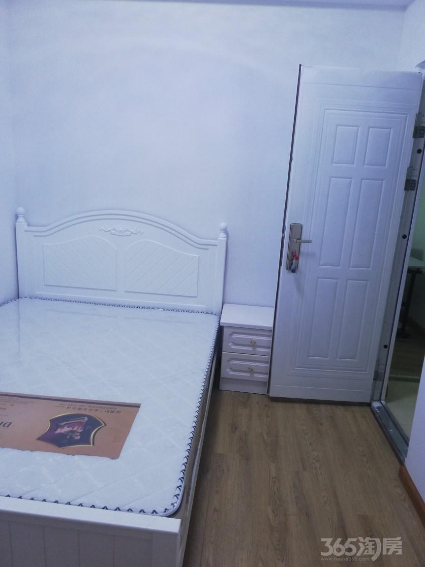 德信泊林春天3室2厅2卫16平米合租精装